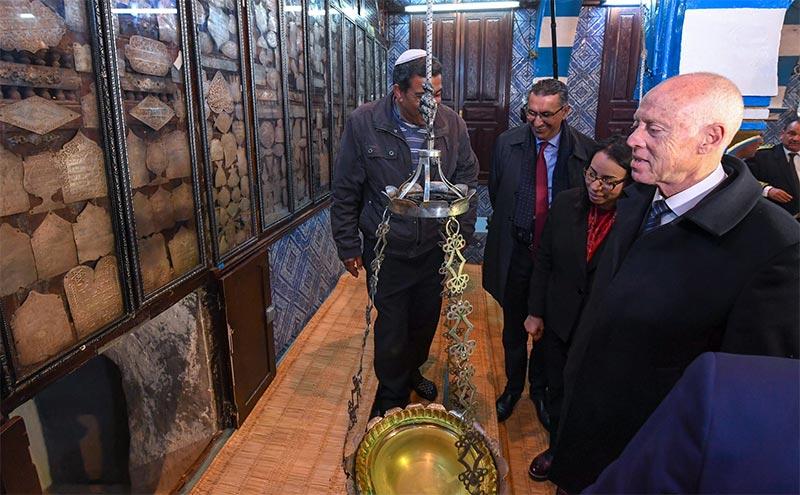 صور خلال زيارة قيس سعيّد إلى المعبد اليهودي ''الغريبة''