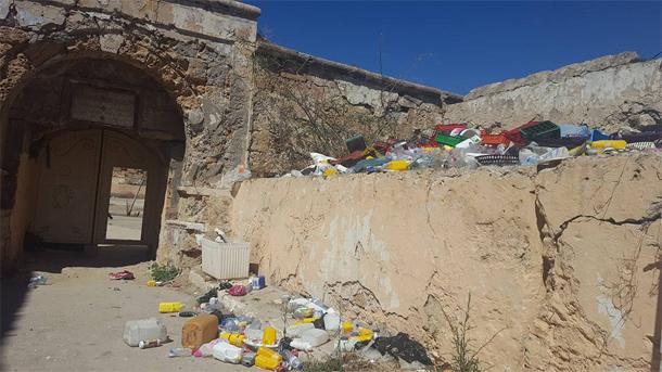 En photos... La Karaka-La Goulette : Spectacle désolant de déchets et qui s'y accumulent