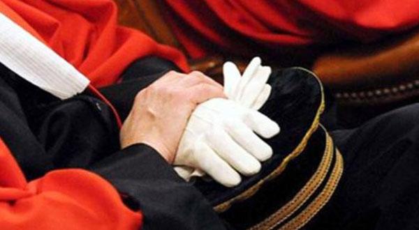 المجلس الأعلى للقضاء يقاضي رئاسة الحكومة