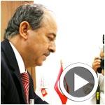 بالفيديو:سويعات قبل غلق باب الترشح: عبد الوهاب الهاني يقدم ملفه إلى هيئة الانتخابات