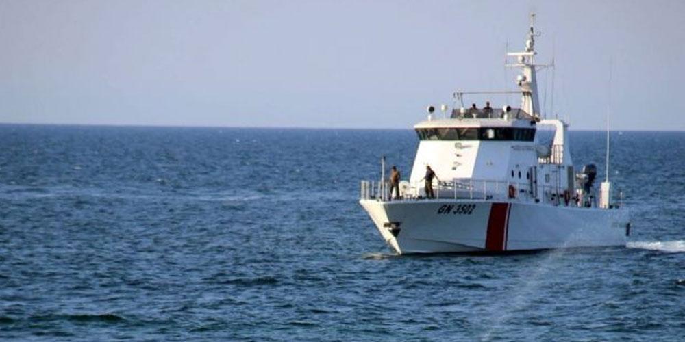 قرقنة: إنقاذ 139 ''حرّاق'' بعد تعرّض مركبهم إلى الغرق