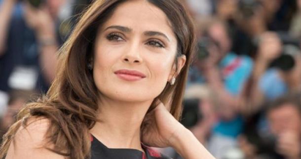 الممثلة سلمى حايك تقدم 100 ألف دولار لضحايا الزلزال في المكسيك وتناشد معجبيها للتبرع