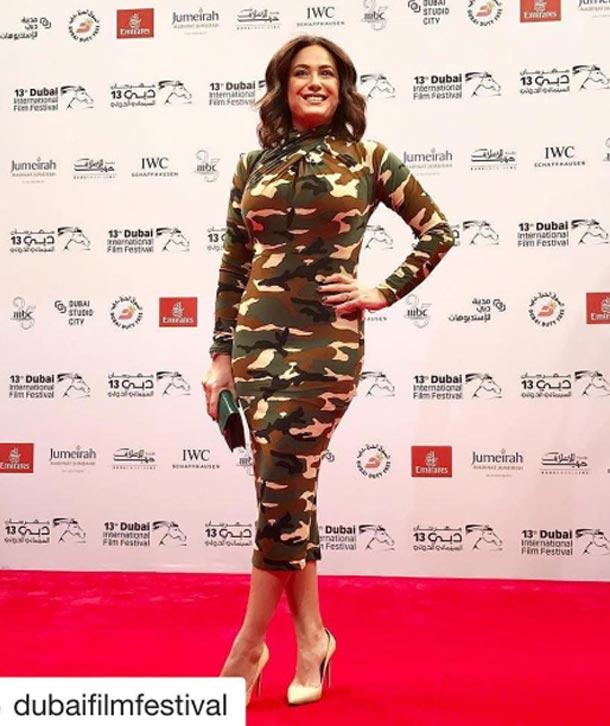En photo...Hend Sabri au Festival international du film de Dubaï : top ou flop sa robe militaire ?
