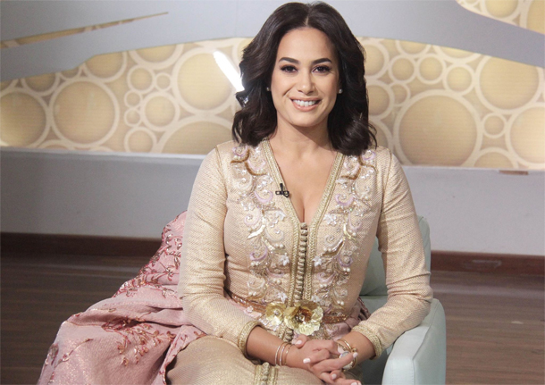 En photos : Hend Sabry opte pour un caftan marocain lors de l'émission Hona Al 3asema