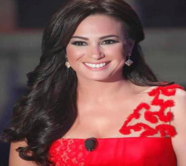 هند صبري تعتذر عن تسلم جائزتها في مهرجان الإسكندرية
