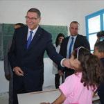 Habib Essid: Je salue le corps enseignant de toutes les régions  pour leurs efforts