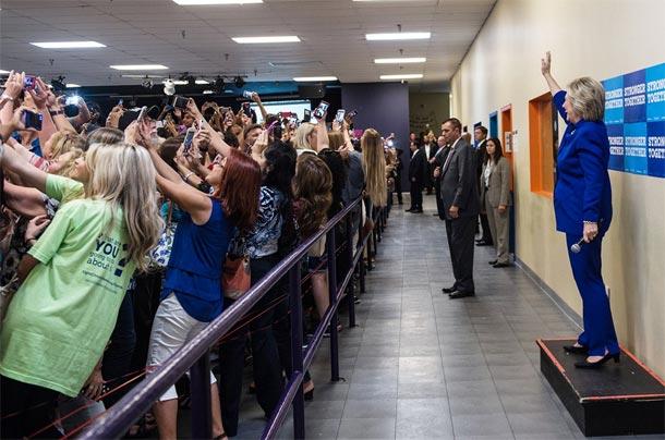 Cette photo résume l'obsession des jeunes pour les selfies...