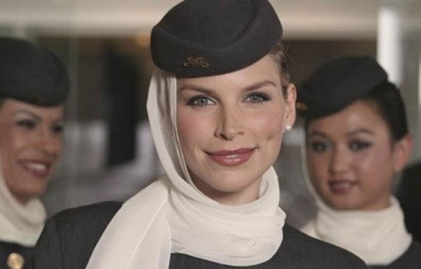 Les hôtesses d'Air France refusent de porter le voile sur la ligne Paris-Téhéran
