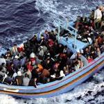 Opération de secours pour 700 migrants à bord d'un navire au large de la Crète