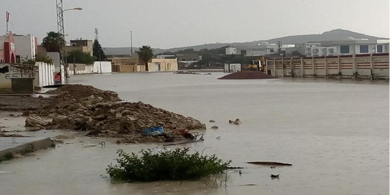 أريانة: وزارة الدفاع تسخر طائرة عمودية لتحديد المناطق المعزولة جراء الأمطار