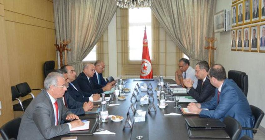 جلسة عمل حول إجراءات تدعيم الاحتياطات الأمنية والوقائية بمطار تونس قرطاج