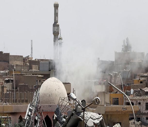داعش يفجر جامع النوري ومئذنة الحدباء التاريخية في الموصل