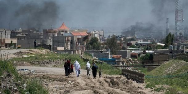 Des jihadistes du groupe se faisant passer pour des forces irakiennes ''exécutent'' au moins 15 civils à Mossoul