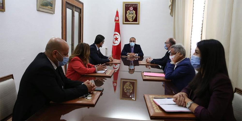 رئيس الحكومة يلتقي وفدا عن كتلة الاصلاح
