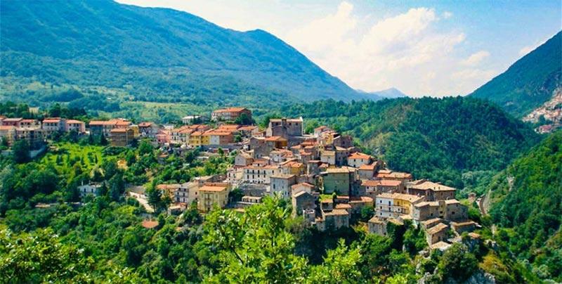 27 ألف دولار لمن يسكن في هذه المنطقة الإيطالية!