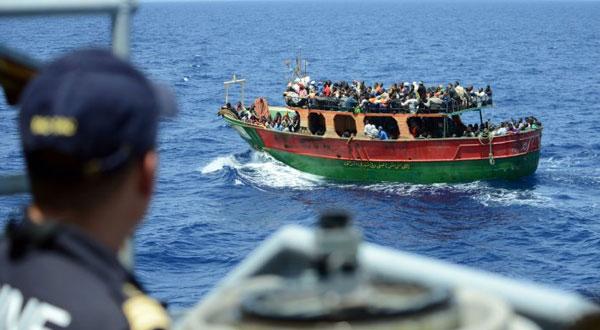 ايطاليا تلاحق منظمات مشبوهة تساعد المهاجرين قبالة سواحل ليبيا