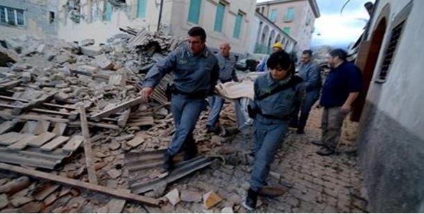 أكثر من 247 قتيلا في زلزال إيطاليا والبحث مستمر تحت الأنقاض
