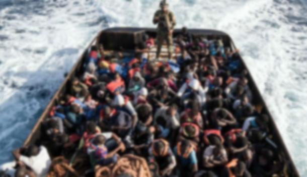Migrants: l'Italie menace de bloquer ses ports