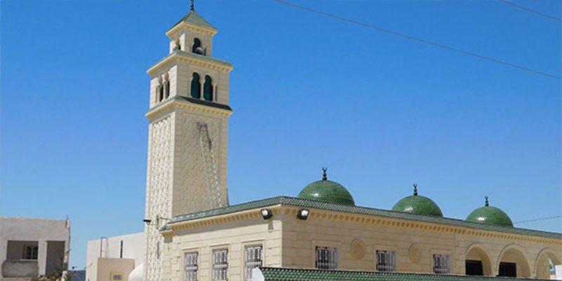 خالفوا الحجر الصحّي وتعليق صلاة الجماعة: إنهاء تكليف ثلاث إطارات مسجدية