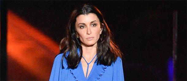 La chanteuse française Jenifer s'exprime après son accident de voiture