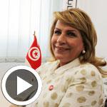 En vidéo : Avec des youyous, Emna Mansour Karoui dépose sa candidature