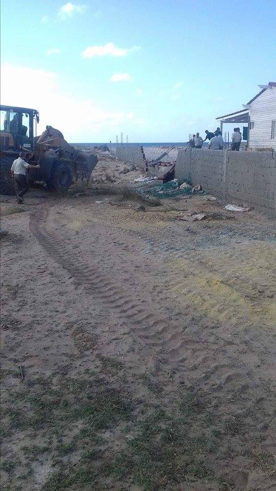 بالصّور : تنفيذ 07 قرارات هدم وإزالة في شأن بنايات مشيدة بدون رخصة بشاطئ قليبية