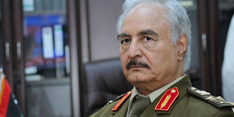 La Grèce encourage Haftar dans le processus de paix libyen