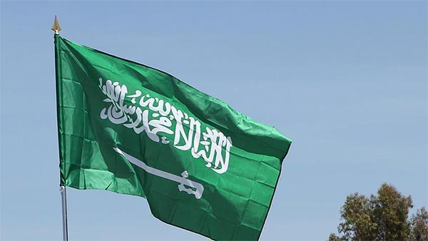 السعودية تقلص صلاحية تأشيرة العمل في القطاع الخاص إلى عام بدل اثنين