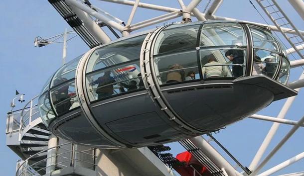 سياح يعلقون في عجلة 'عين لندن' لمدة ساعة بعد الاعتداء الإرهابي