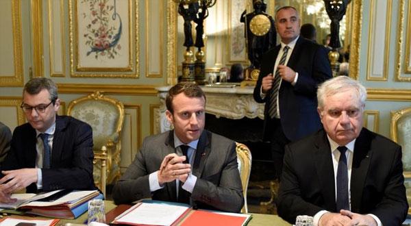 فرنسا تمدد حالة الطوارئ