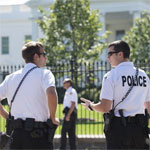 Etats-Unis: un homme arrêté après avoir grimpé par-dessus la grille de la Maison Blanche