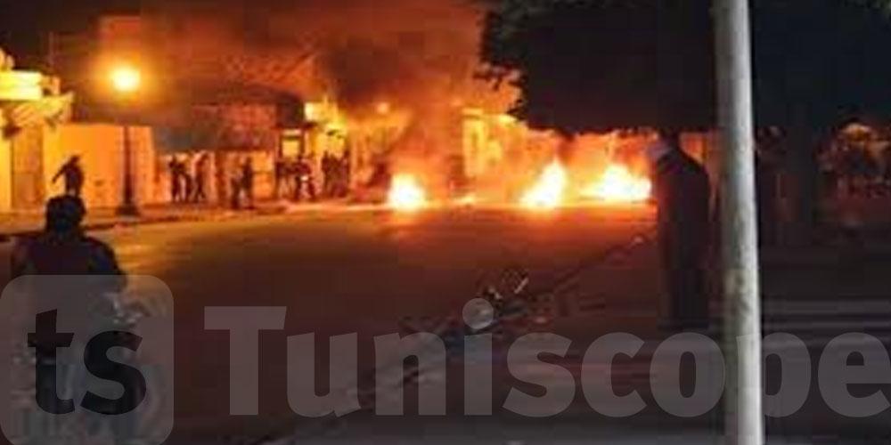 في نفس التوقيت...اندلاع احتجاجات ليلية بهذه المناطق التونسية
