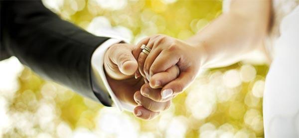 Elle en Iran, lui aux États-Unis: leur fête de mariage suspendue