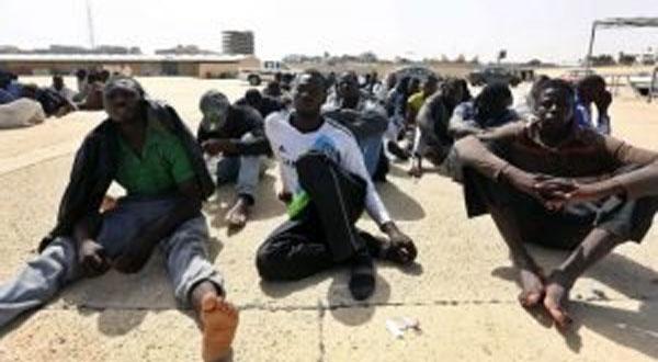 دخول مهاجرون مقيمون بدار الشباب المرسى في إضراب جوع