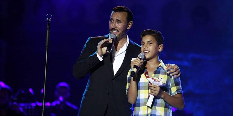 غناء الطفل آدم الهداجي مع القيصر في قرطاج : مندوبية حماية الطفولة توضّح