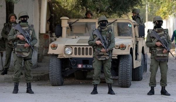 بنرزت: انزلاق شاحنة عسكرية واصابة جنود