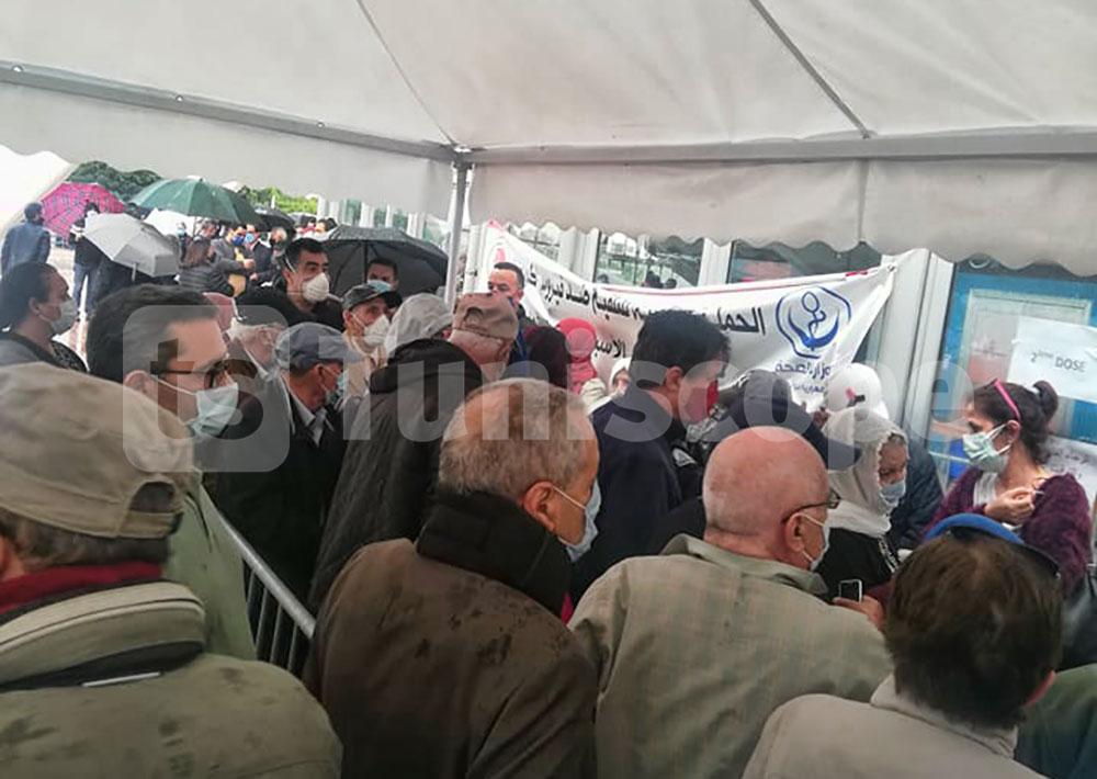 صور من مركز التلقيح بالمنزه في اليوم الخامس من اضراب الاطباء