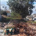En Photo : Les déchets des chantiers s'accumulent et coupent la route dans un quartier d'El-Menzah