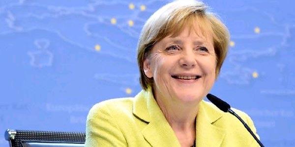 Merkel juge inacceptable le refus de pays européens d'accueillir des réfugiés musulmans