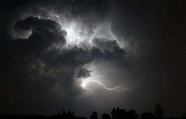 المعهد الوطني للرصد الجوي يحذر من أمطار رعدية