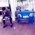En photos- Station 10 décembre : Et si on lisait en attendant le métro…. ?