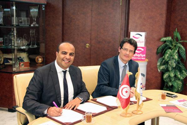 Signature  d'une convention de  partenariat Entre           la Poste Tunisienne et microcred Tunisie