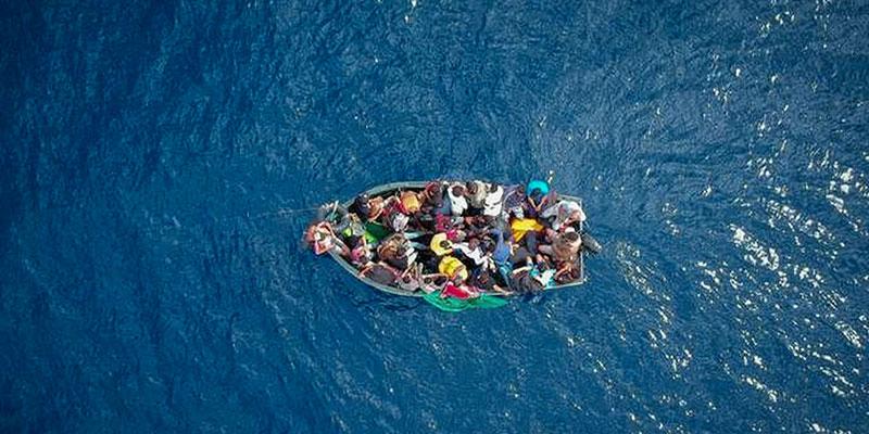 2 morts et 14 disparus après le naufrage d'un bateau de migrants