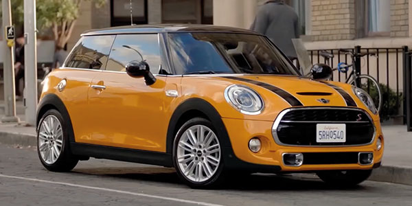 La MINI Hatch : un surplus d'innovations, de place et de joie au volant