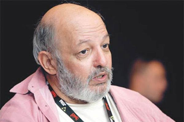 وفاة المخرج المصري محمد خان