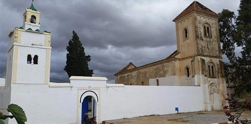 طلاء الجامع وإهمال الكنيسة: صورة تثير الغضب على مواقع التواصل الاجتماعي