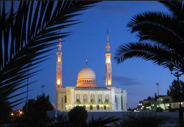 الجزائر تضع ضوابط للآذان في مساجدها لأول مرة