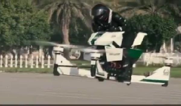 Une moto volante pour la police à Dubaï pour le printemps 2018