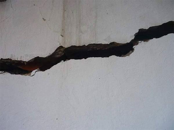 أريانة : وزارة التربية تتعهّد بإعادة بناء جدار بالمدرسة الابتدائية المنزه الخامس