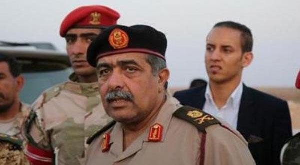 الجيش الليبي يحذّر ناقلات النفط من دخول المياه الليبية
